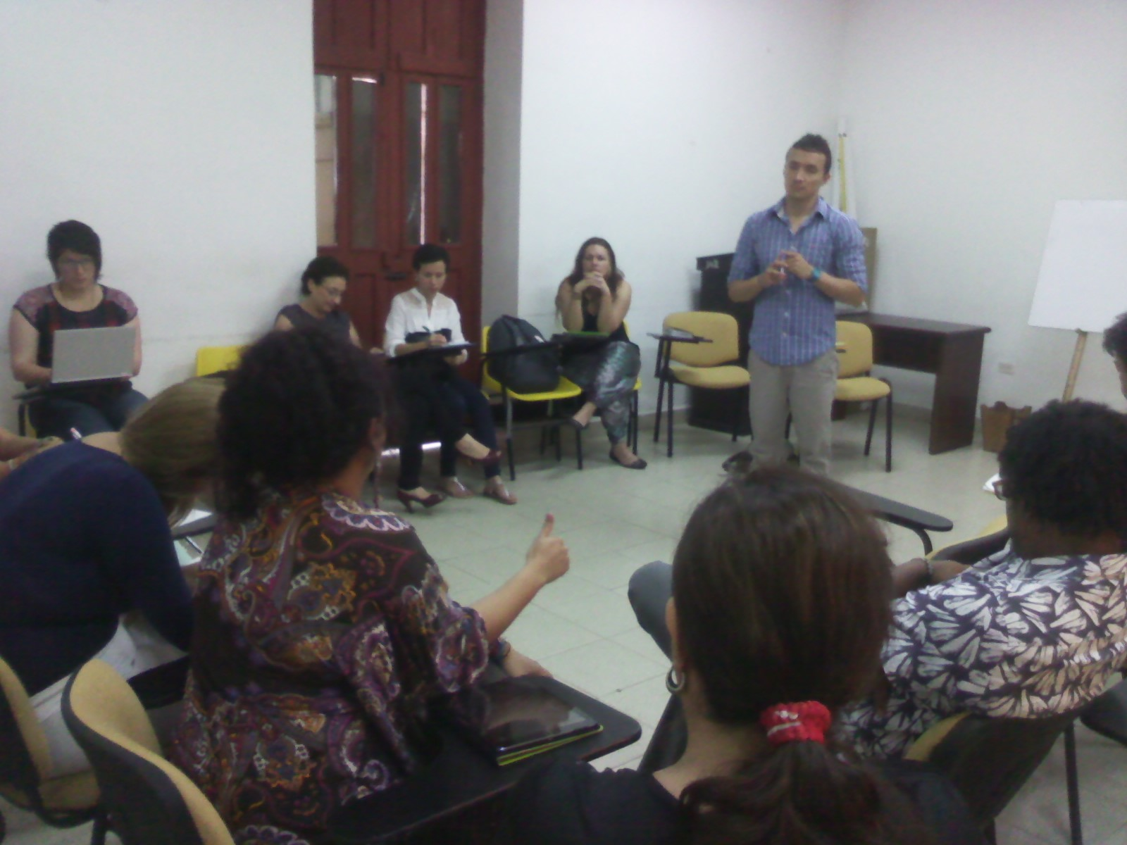 Reunión de socialización de la propuesta de caracterización y reconstrucción de memoria, del Centro Nacional de Memoria Histórica con Funcionarios públicos y sociedad civil en la ciudad de Cartagena.