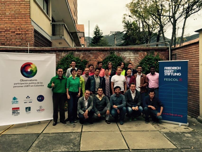 Candidatos LGBTI durante el encuentro en Bogotá