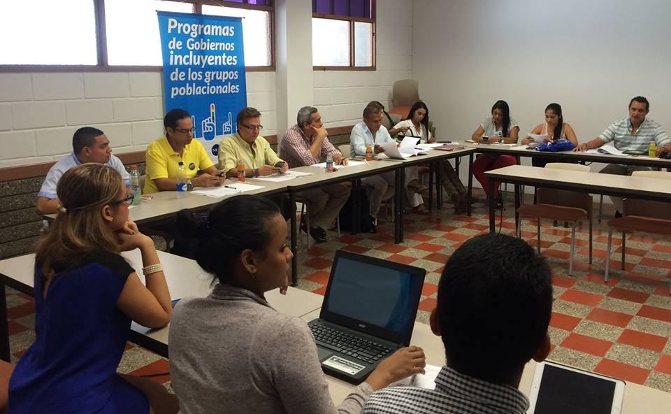 Momentos del taller con candidatas y candidatos en la ciudad de Cartagena
